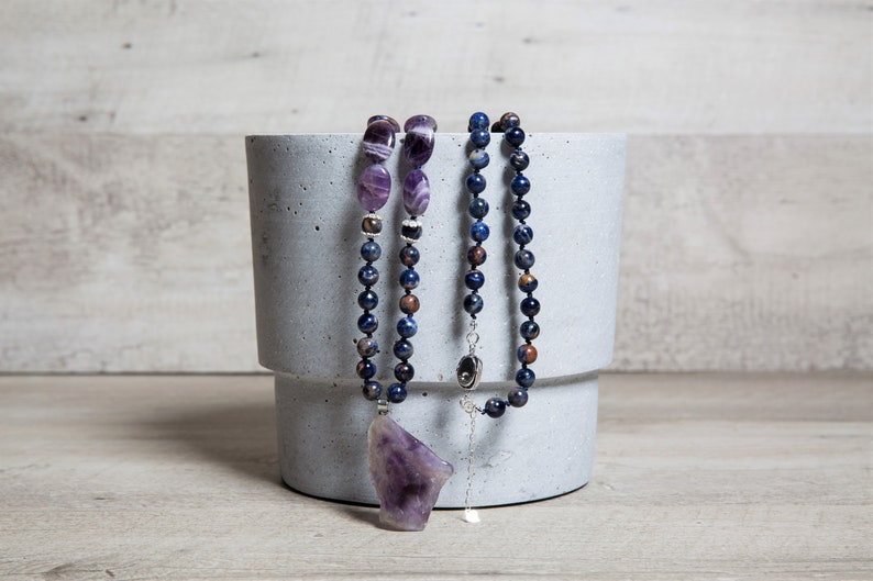 Natural Sodalite and Oval Amethyst Beaded Necklace Raw image 0