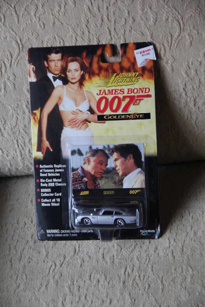 Aston Martin DB5 James Bond Johnny Lightning model