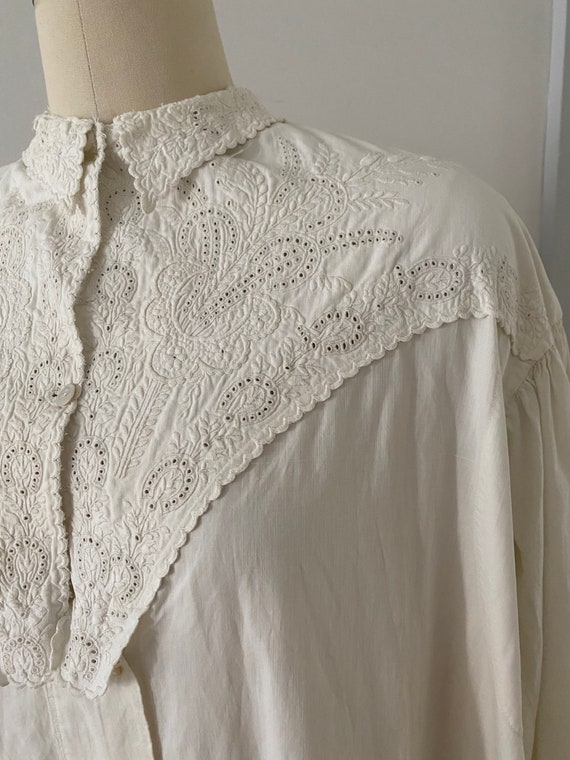 Gorgeous Antique Cotton Dressing Gown - image 4