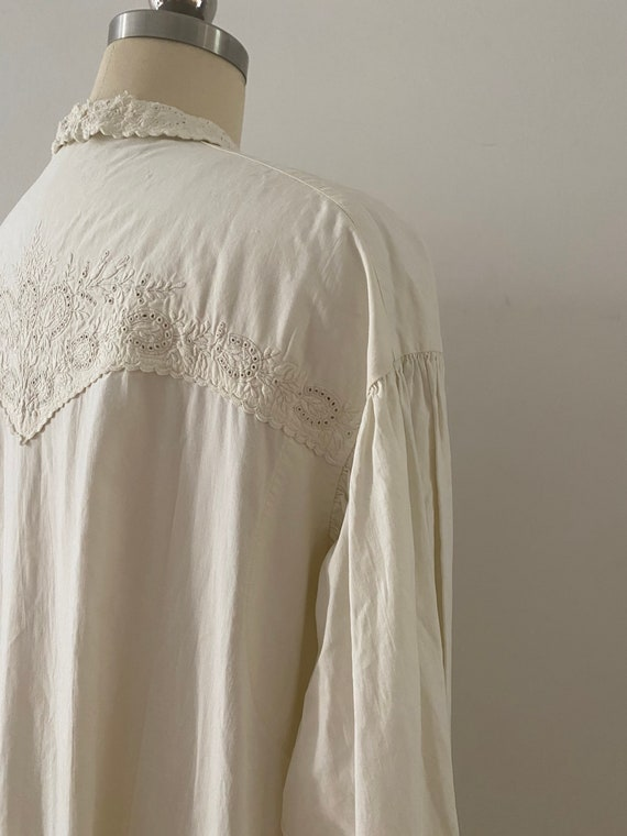 Gorgeous Antique Cotton Dressing Gown - image 3