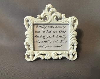 Phoebe Buffay Quote - Smelly Cat - FRIENDS - TV show - Frame