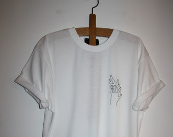 T-SHIRT Hand EMBROIDERED detail hands size l embroidery design leaf clothing only one piece