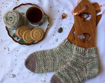 Tea Leaves Crochet Socks