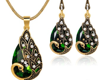 Jewelryset Peacock 003 Gold optics with green and white crystals Phoenix chain pendant with necklace and matching Ohringen earrings