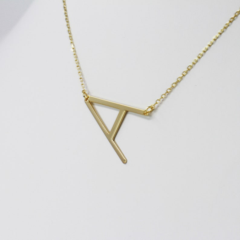 Alphabet Letter Initial Necklace Personalized Name Jewelry Bridesmaid Gift Gold or Silver Gift For Mom
