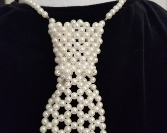 70s/80s faux pearl beaded ladies necktie necklace