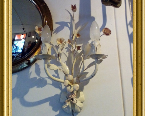 Local pick-up in Gouda only: vintage flower lamp, shipping not available