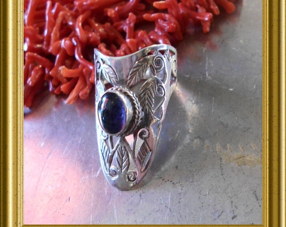 Beautiful big silver ring with blue / purple stone