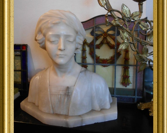 Local pick-up in Gouda only: gorgeous art nouveau marble bust, shipping not available