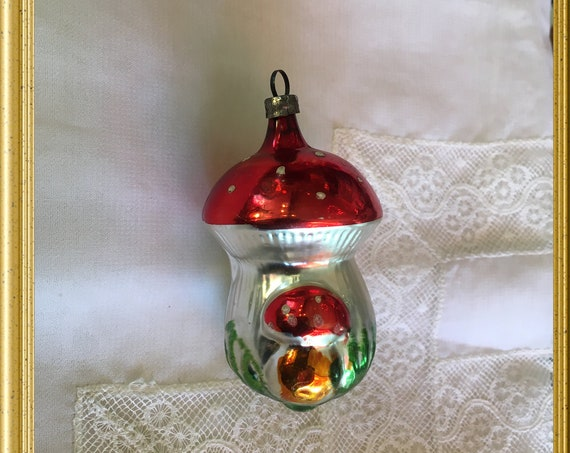 Vintage glass christmas ornament: mushroom