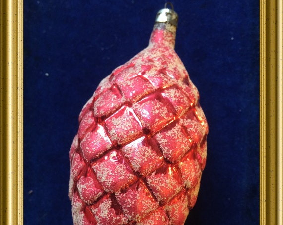 Vintage glass christmas ornament: pine cone