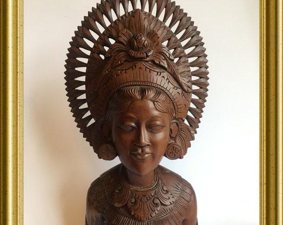 Vintage woodcarving, wooden bust: Balinese dancer, Bali, Pan Akus