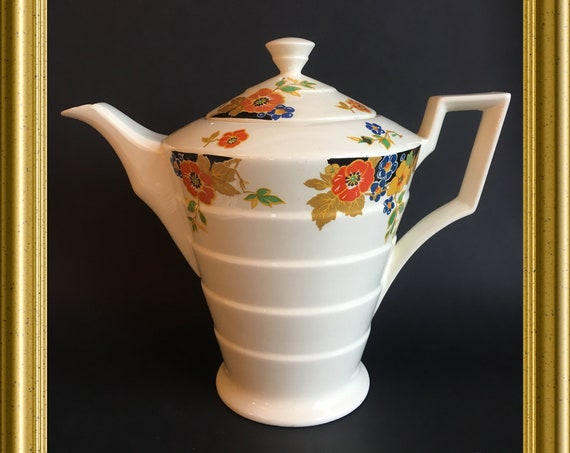Art deco teapot: Nasturtium, Mosa Maastricht Holland