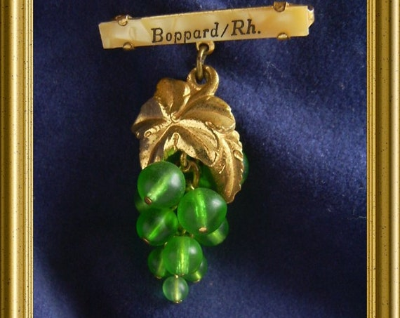 Vintage brooch: bunch of grapes, souvenir Boppard