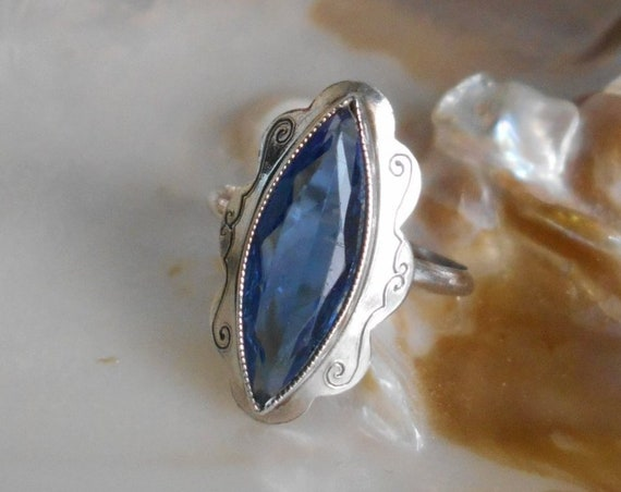 Beautiful silver blue ring