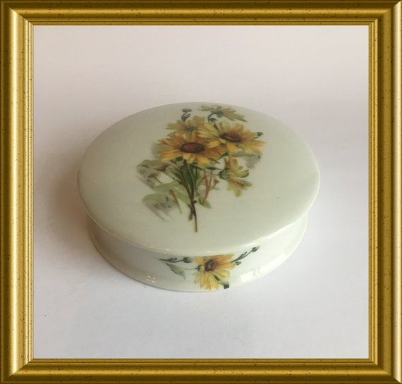 Porcelain Limoge box: sunflowers, Creations Baud