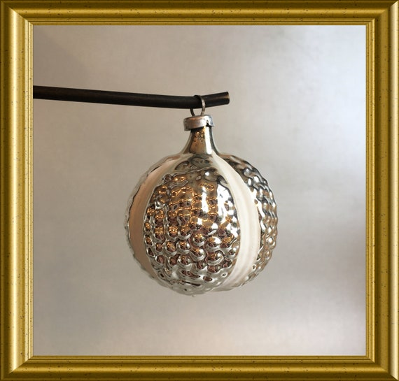 Vintage glass christmas ornament: silver and white