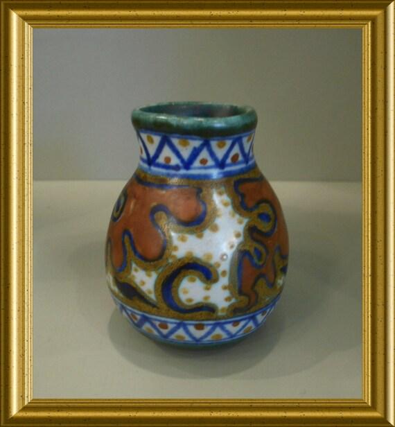Vintage small handpainted art pottery vase: PZH Gouda, decor Vlist, 1922
