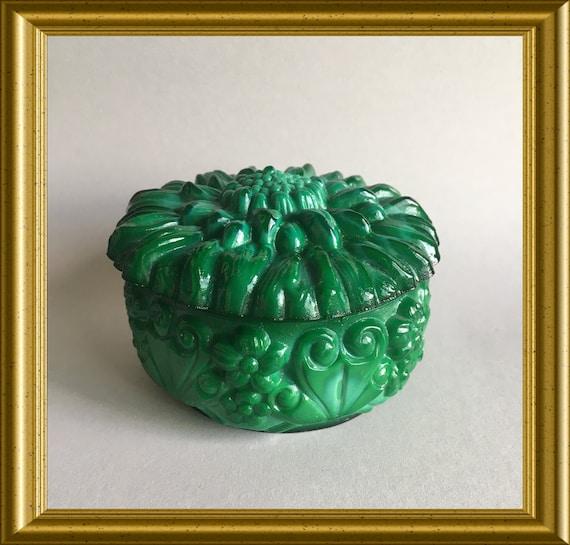 Antique glass box, powder box, trinket box: sunflower, Curt Schlevogt, collection Ingrid