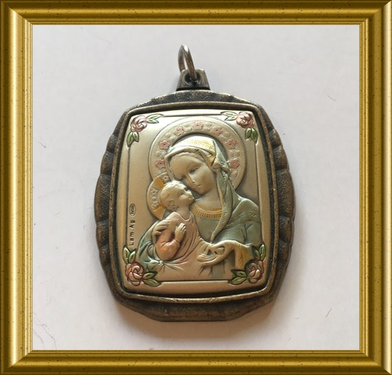 Vintage pendant : Holy Mary with child, Lam Ag.