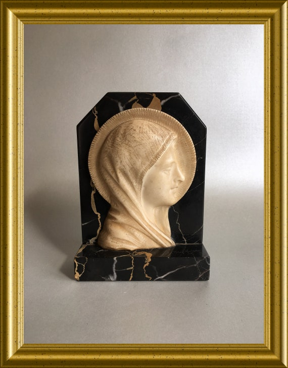 Art deco madonna on marble: signed A. Trefoloni
