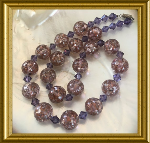 Vintage purple glass beads necklace with silverfoil