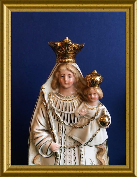 Antique porcelain figurine: Holy Mary with child Jesus