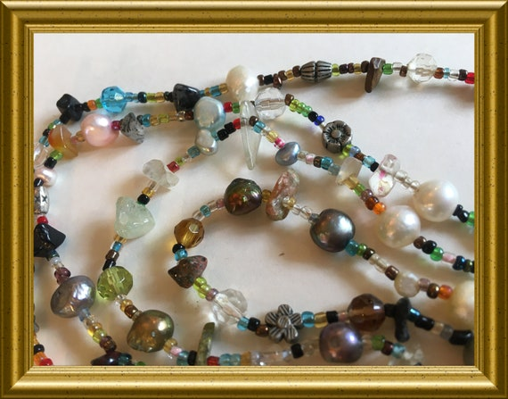 Vintage necklace: small beads, gemstone and pearls
