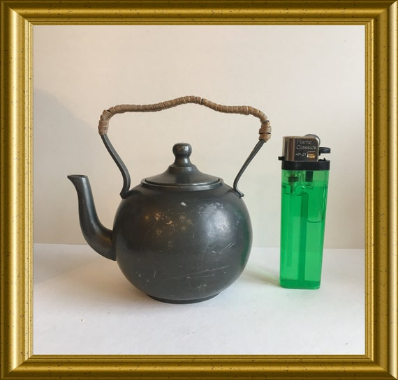 Antique toy: small pewter kettle