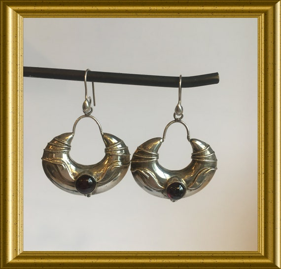 Vintage silver earrings: half moon, crescent moon, red stone, 3 dimensional