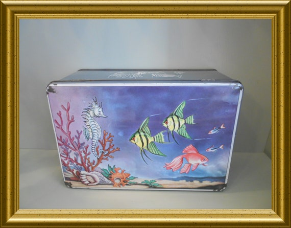 Vintage Van Melle advertisement tin : fish and sea horse