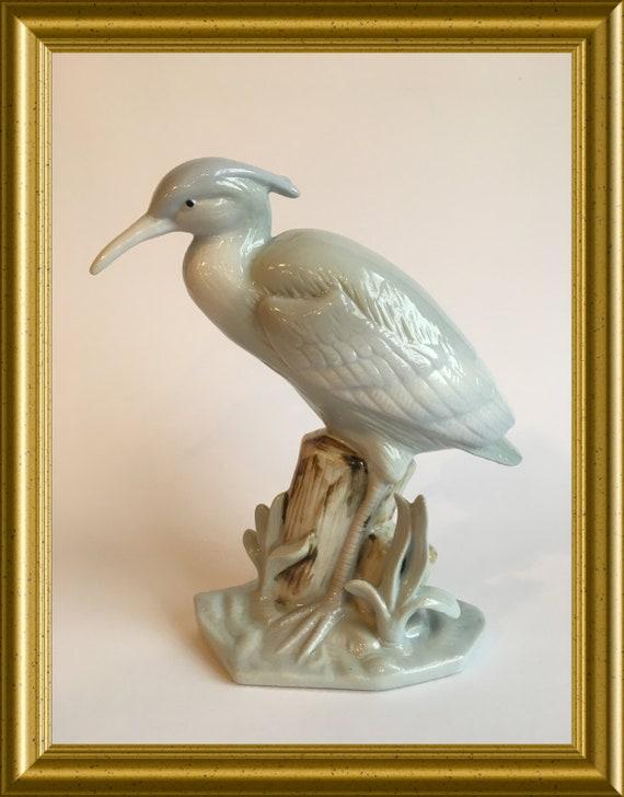Lovely porcelain bird figurine: crane