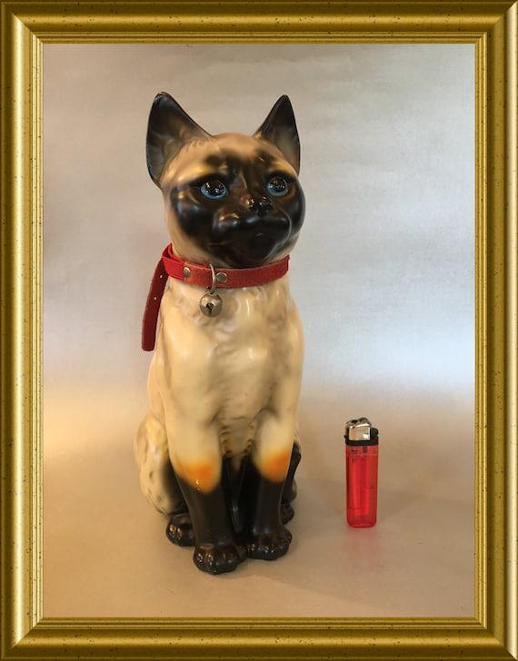 Large (29 cm) vintage ceramic figurine: siamese cat