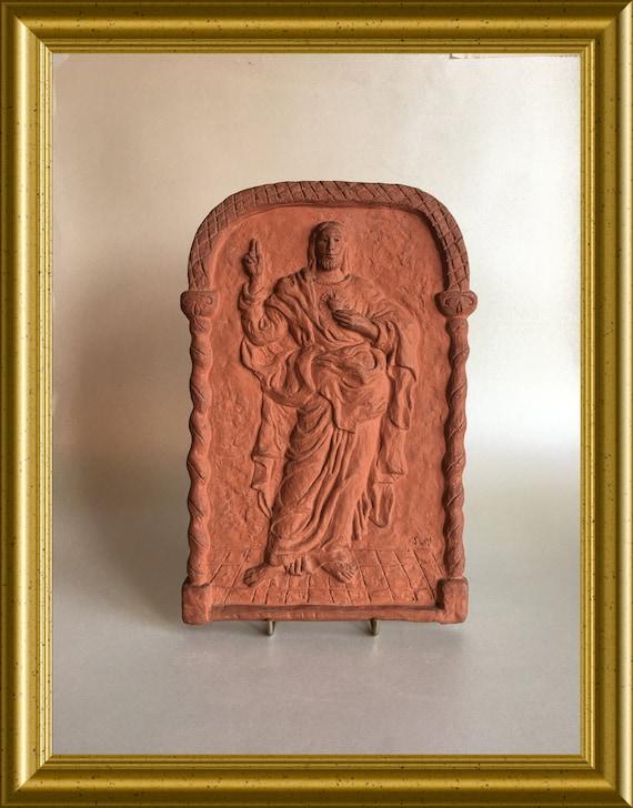 Vintage terra cotta relief tile/ plaque: Sacred Heart, Suzanne Nijs for Russel Tiglia in Tegelen