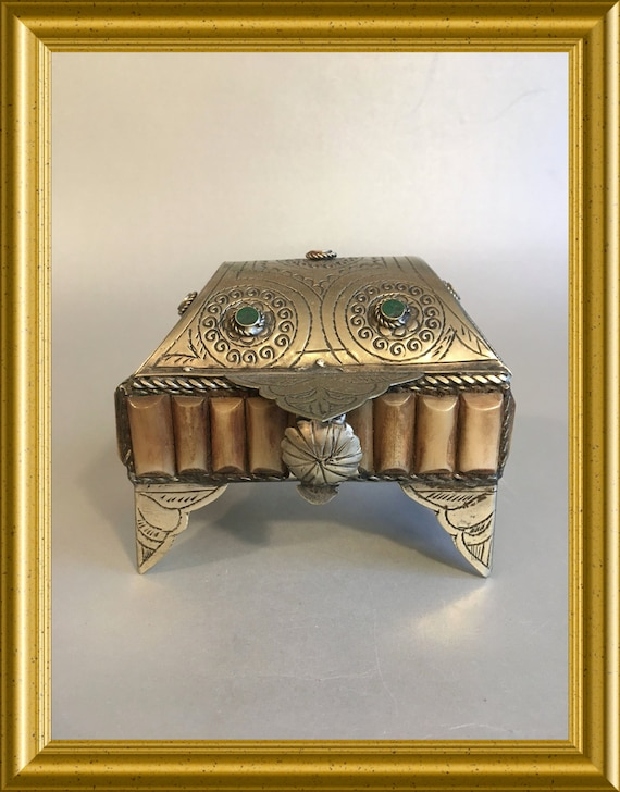 Vintage eastern footed trinket box with stones and horn