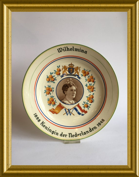 Dutch Royal House plate : Queen Wilhelmina 1898-1948, Plazuid pottery Gouda