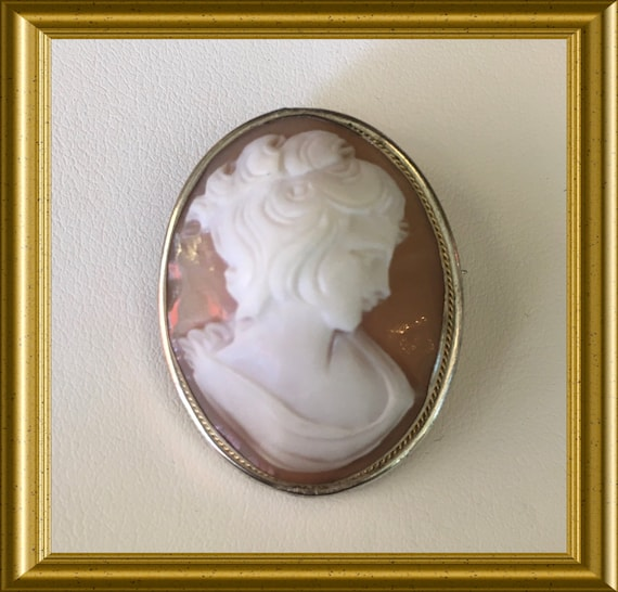 Antique shell cameo brooch/ pendant, portrait