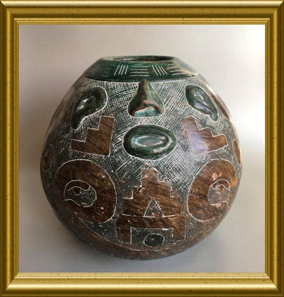 Marajoara terra cotta face vase: Amazone, Brazil, etched vase