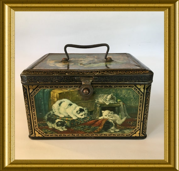 Large size antique cat biscuit tin, Henriette Ronner, 20's