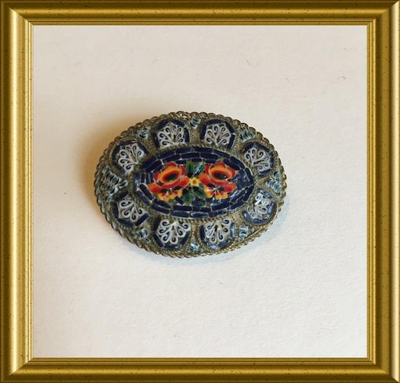 Vintage brooch: micro mosaic glass