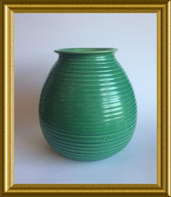 Vintage green ceramic vase ; Adco Groningen, model 1014