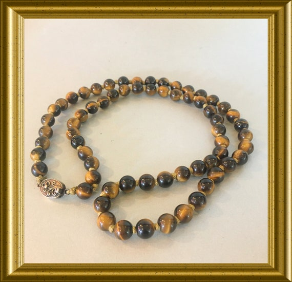 Vintage hand knotted tiger eye beads necklace with goldplated silver closure