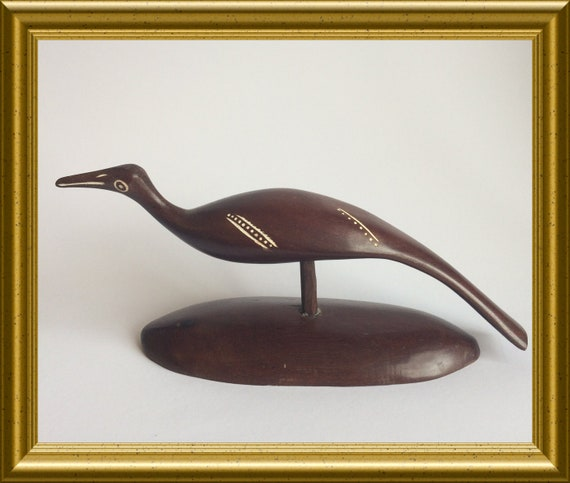 Vintage wood carved figurine : bird
