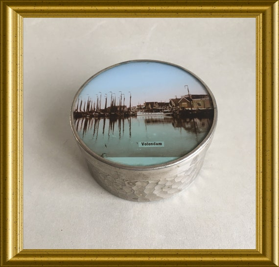 Antique Dutch souvenir box: Volendam, harbour, boats