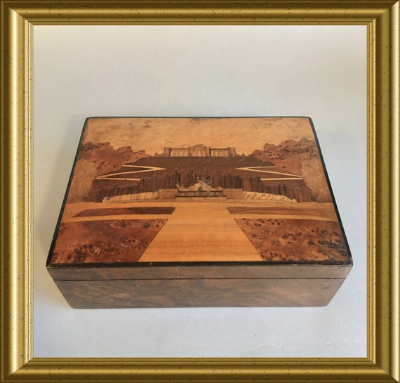 Antique wooden box: inlaid wood, marquetry