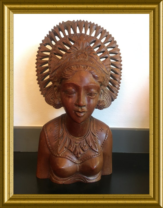 Vintage wooden Bali bust: dancer, woodcarved figurine