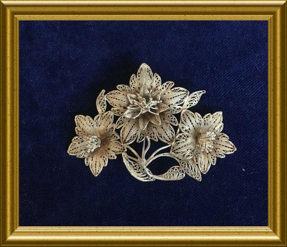 Vintage yogya silver filigree pin brooch: flower