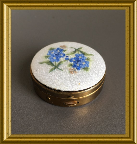 Vintage small enamelled box: pill box, guilloche enamel flowers