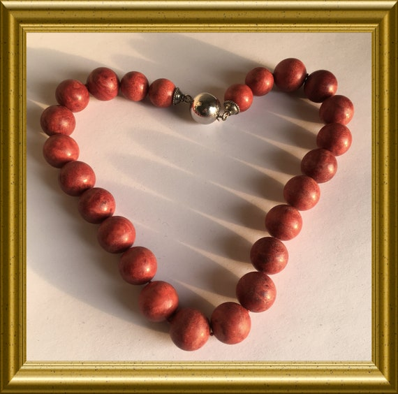 Sponge coral necklace with large round beads and silver clasp