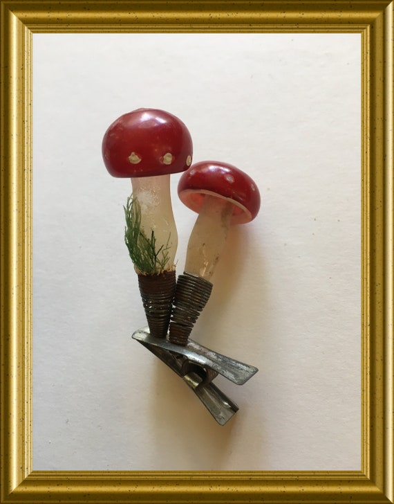 Vintage glass christmas ornament: clip on mushrooms
